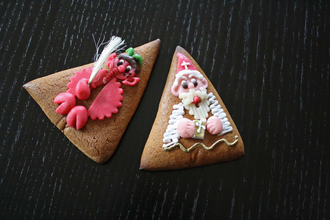 Biscuit-in-gingerbread-christmas-idea