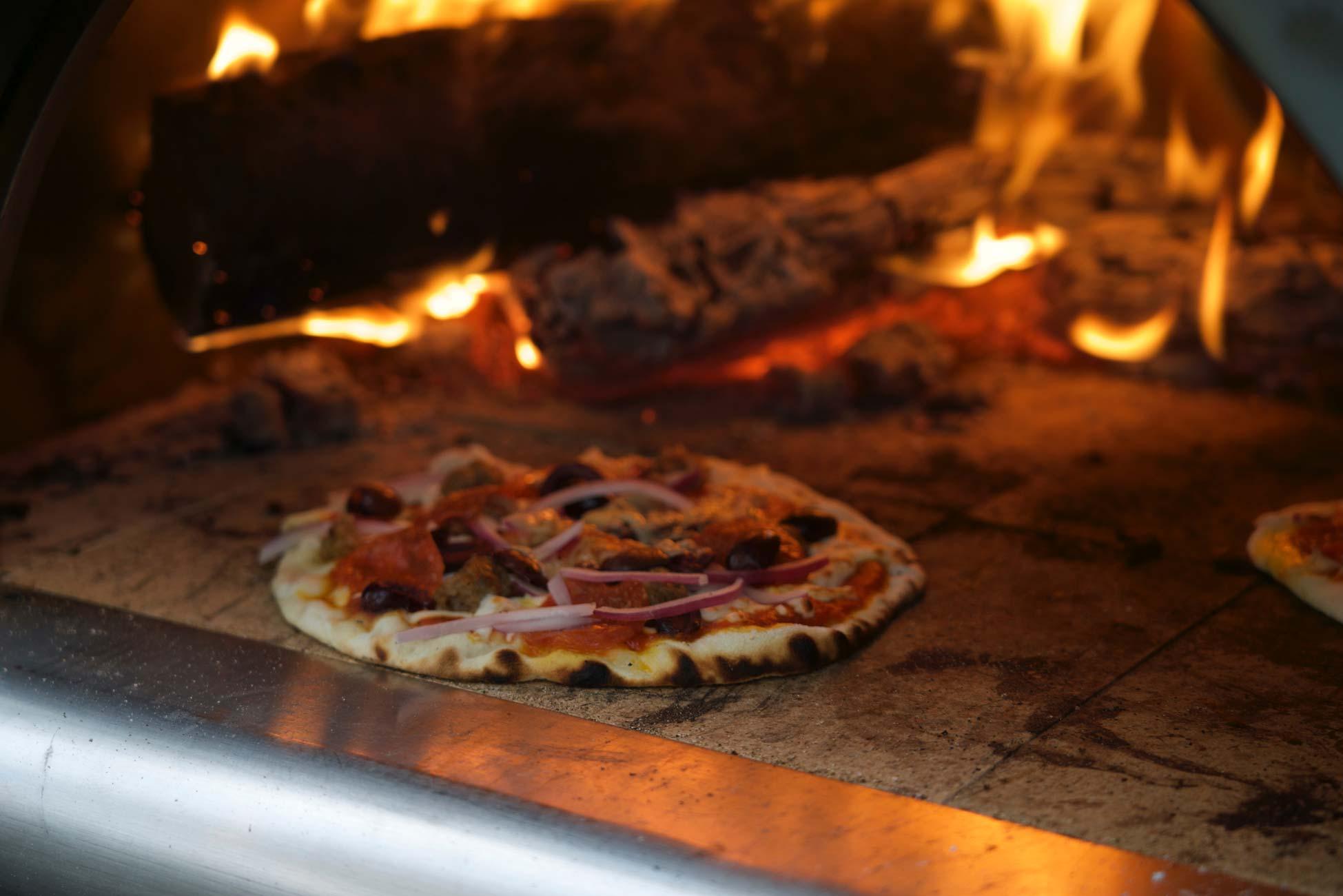 Pizza-croustillante-sur-pain-pita