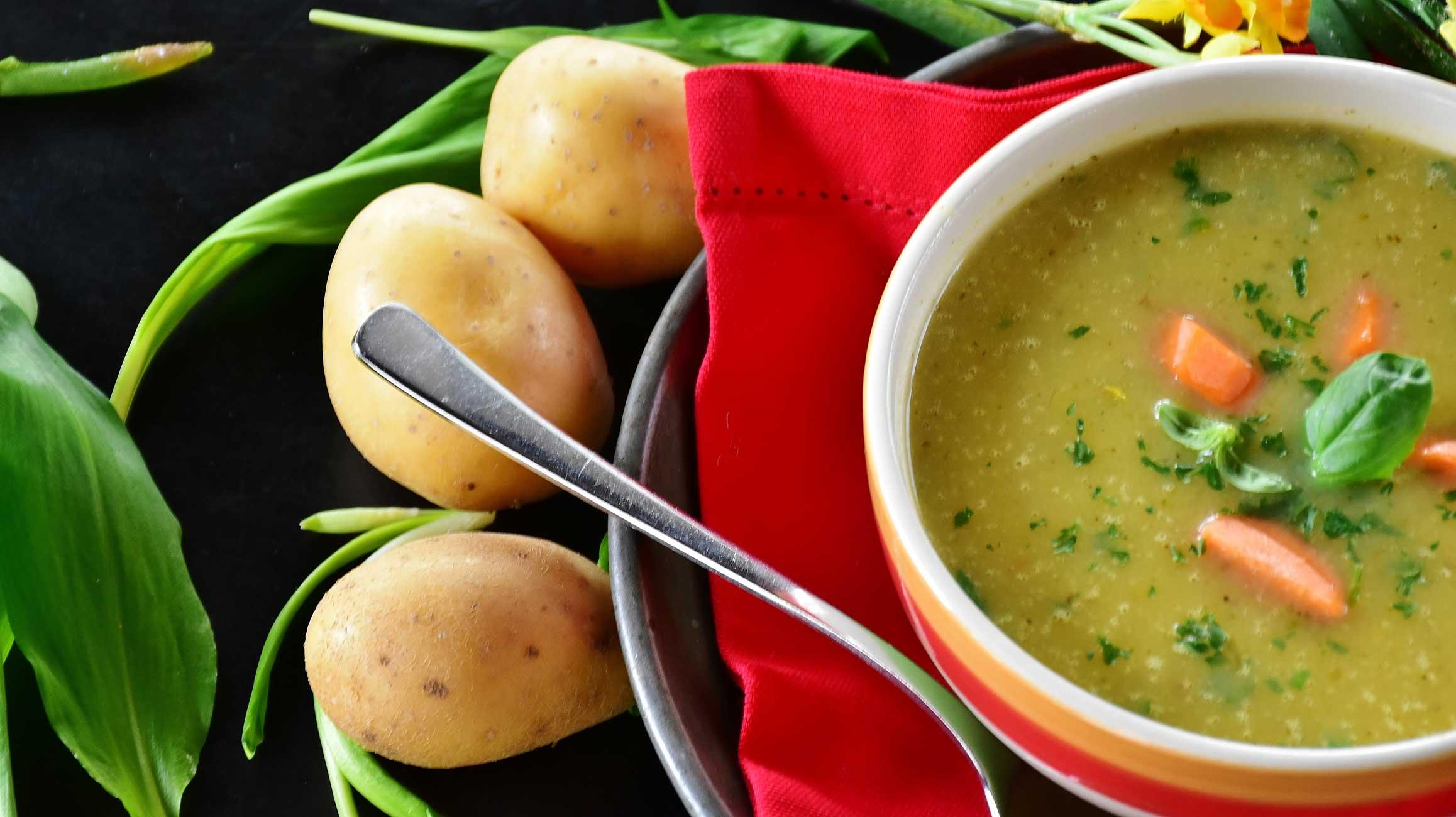 Soupe aux pois végane, végétalienne, vegan
